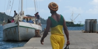 Homme dans le port de St-Vincent